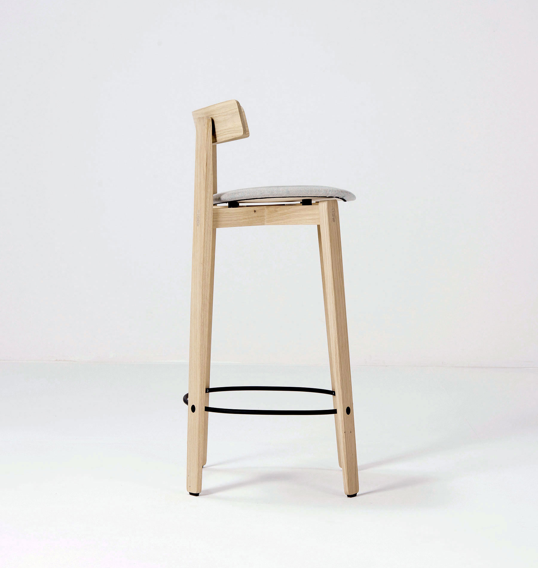 Gazzda Nora Counter Stool with backrest