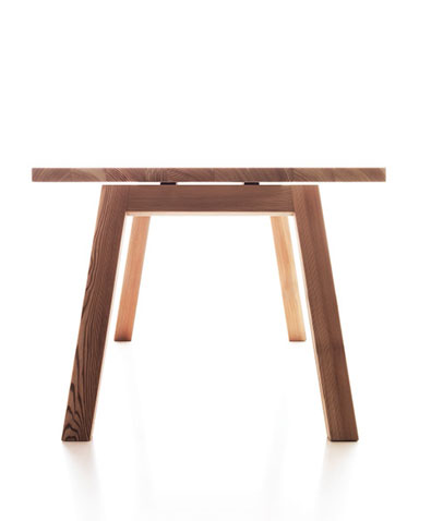 Lando Accento Table in solid wood