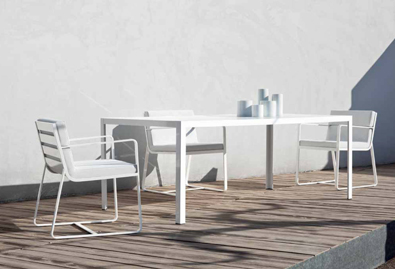 BIVAQ Dats Dining Table with Sit armchairs