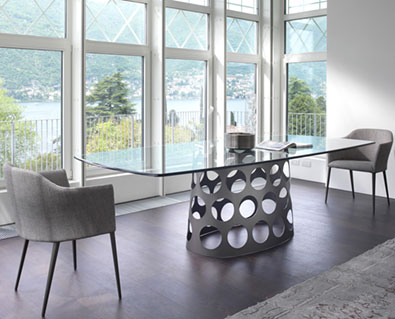 Porada Jean Table in Glass,