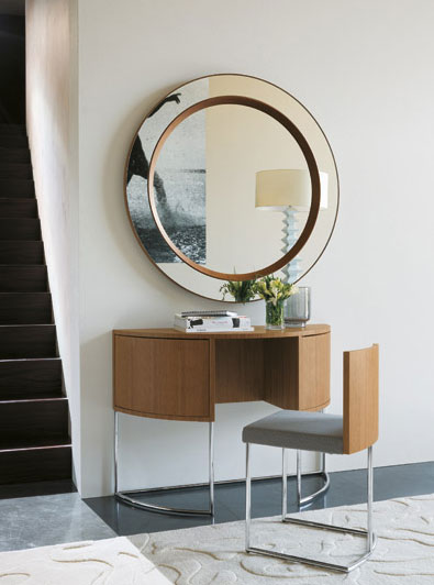 vanity console with chair